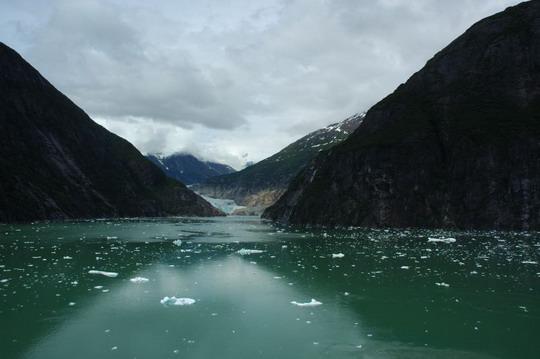 Alaszkában, ahol a gleccser a tengerbe ér...