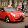Piros Alfa, szép utcakiegészítő ;-)