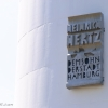 Heinrich Hertz-torony néven is ismert, Heinrich Rudolf Herz (1857-1894) után kapta nevét, aki az elektromágneses hullámok általi rádiózás felfedezője volt