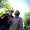 Ez a szakállas srác egy utcaművész, rap-szöveget improvizált