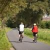 Ez a konkrét útszakasz közút is egyben, két farm között. A kerékpárutak azért nem ilyen szélesek