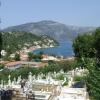 Vathi városa temetővel