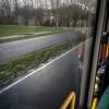 Külön út van a kerékpárosoknak, az autóknak, a buszoknak, és a jobb oldalon még egy gyorsforgalmi út is van, csak az most épp nem látszik