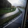 A busz így könnyen tartani tudja a menetrendet, nem vesztegel dugókban