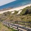 Ez az út vezet le a tengerparthoz