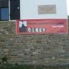 A bannerünk a bejárati kapunál
