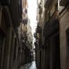 Carrer: Ezek az utcácskák néha kisebb-nagyobb terekbe torkolnak ahol különböző előadóművészekbe is botolhat az ember.
