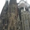 Sagrada_familia: Sagrada Família - Az alapkőletételre 1882-ben került sor. Antoni Gaudí 1883-ban kapta a templom készítésének feladatát. Bár még most is épül de közben a város szimbólumává vált.