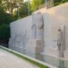 A reformáció genfi emlékműve előtt